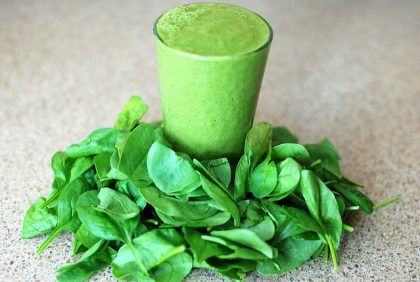 SUPER HEALTHY GREEN GROOVY SMOOTHIE
